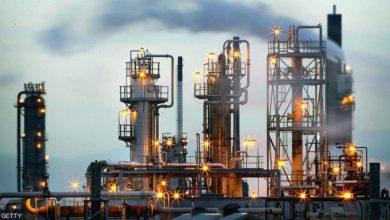 """Photo of مع """"تفاقم كورونا"""".. أسعار النفط بأدنى مستوياتها منذ 17 عاما"""