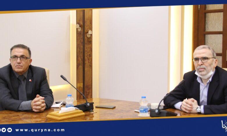 Photo of صنع الله يبحث مع سفير مالطا التعاون في مجال النفط