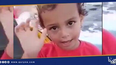 "Photo of ""باي ليبيا""..طفلة ليبية تودع البلاد عبر بحر الموت"