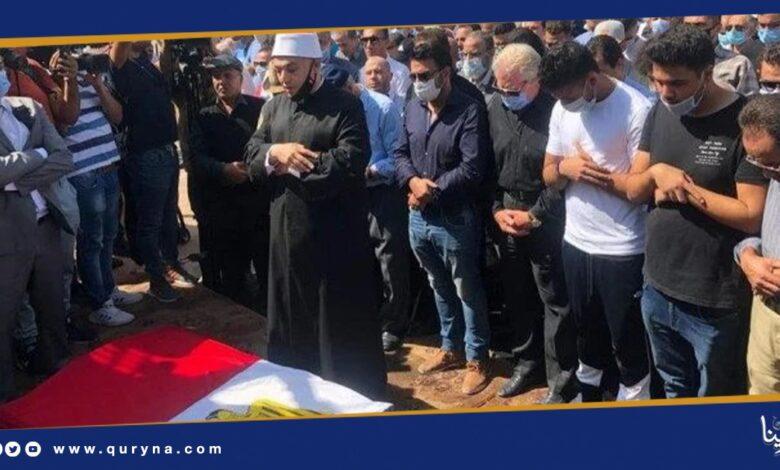 Photo of هذه الفنانة تتغيب عن جنازة الراحل محمود ياسين