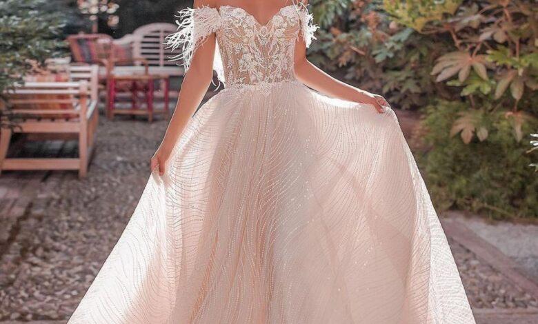 Photo of قورينا تقدم أفضل إطلالات الفساتين البيضاء