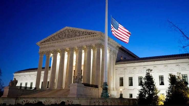 Photo of خاص قورينا _ هل تتدخل المحكمة الأميركية العليا في الانتخابات؟