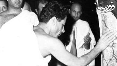 Photo of البوم صور القائد الشهيد معمر القذافي وهو يؤدي مناسك الحج عند الحجر الأسود المبارك