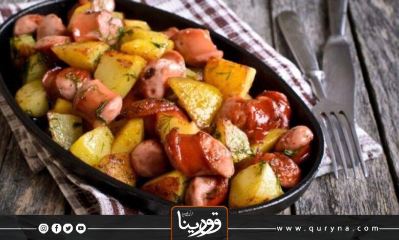 Photo of بطاطس مقلية مع النقانق للإفطار