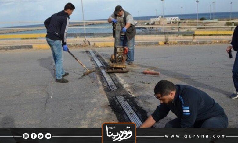 Photo of درنة : إنطلاق أعمال الصيانة الطرقية بالمدينة