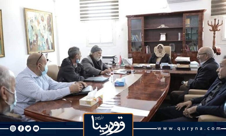 Photo of وزيرة الثقافة تناقش الأمور الفنية والثقافية مع نخبة من الفنانين