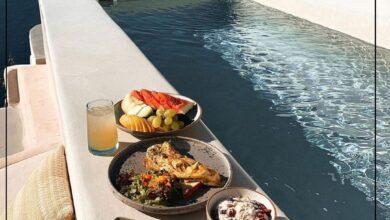 Photo of قورينا اختارت لكم سفرة الإفطار مع إطلالة رائعة على ساحل مدينة أويا اليونانية