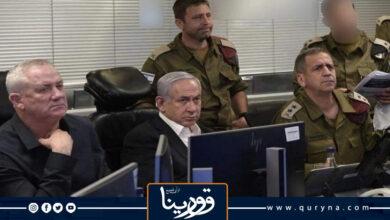 """Photo of رئيس وزراء الكيان الصهيوني بنيامين نتنياهو ينشر صورة له خلال زيارته لغرفة العمليات الخاصة لجيش العدو وجهاز المخابرات المصغر """"الشاباك"""""""
