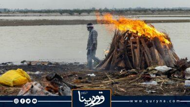 Photo of السلطات الهندية تسد نهر الغانج بالشباك لالتقاط جثث المتوفين بكورونا