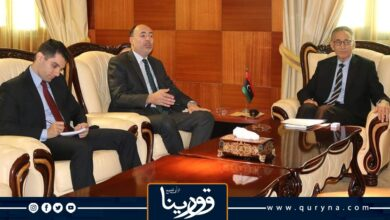 Photo of وزير الاقتصاد يبحث مع السفير المصري تفعيل الاتفاقيات المبرمة بين البلدين