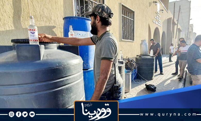Photo of ضبط مصنع لبيع وتسويق الخمور المحلية داخل احد المزارع بطبرق
