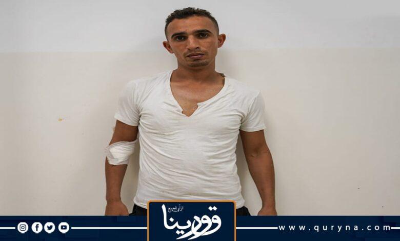 Photo of الأجهزة الأمنية ببنغازي تلقي القبض على متهم بتزوير كتيبات المركبات