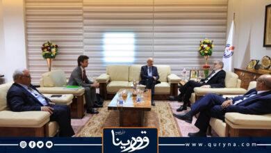 """Photo of """"صنع الله"""" يبحث إعادة تأهيل البنية التحتية لشركة الواحة وتوفير الدعم المادي لها"""