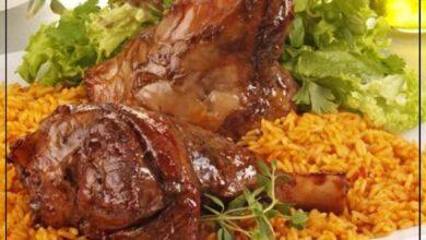 Photo of طريقة عمل كبسة موزات اللحم الخليجية