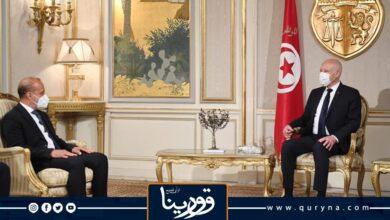 """Photo of """"قيس سعيد"""" يؤكد لـ """"عبد الله اللافي"""" أن الأوضاع في تونس تسير في مسارها الديمقراطي الصحيح"""